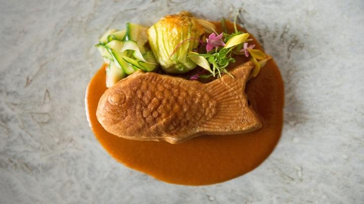 代表作「白身魚のパイ包み焼」