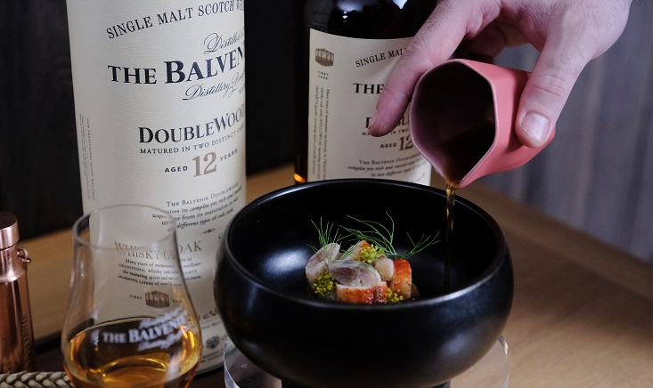 Mirko Febbrile discovers notes of honey when pairing the topinambour, home cured sardines, Alaskan king crab and rice broth with The Balvenie 12 Year Old DoubleWood