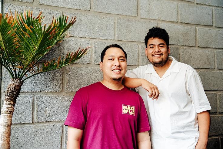 สองหนุ่มเบื้องหลังความสำเร็จของร้านเผ็ดเผ็ด (© วรรษมน ไตรยศักดา/ MICHELIN Guide Thailand)