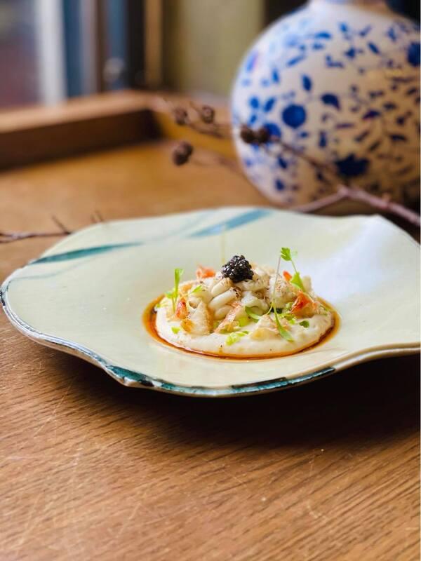 鹹豆漿 元 Yuan 蕭淳元 米其林 Caviar , Cod Milt , Tofu Sauce.jpg