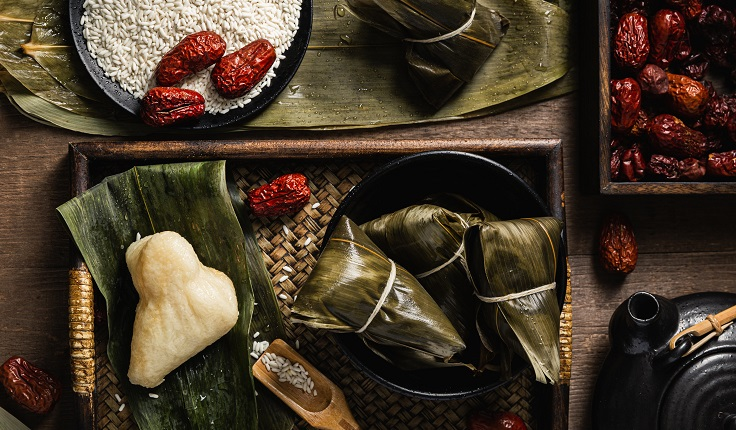 Steamed Rice Dumpling filled with Red Date Paste served with Osmanthus Honey (Pic: Regent Hotel Singapore)