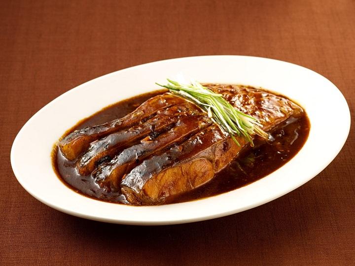 台中必比登推介老店沁園春的江浙名菜「紅燒肚當」,現也可供外帶。(圖片取自沁園春臉書)