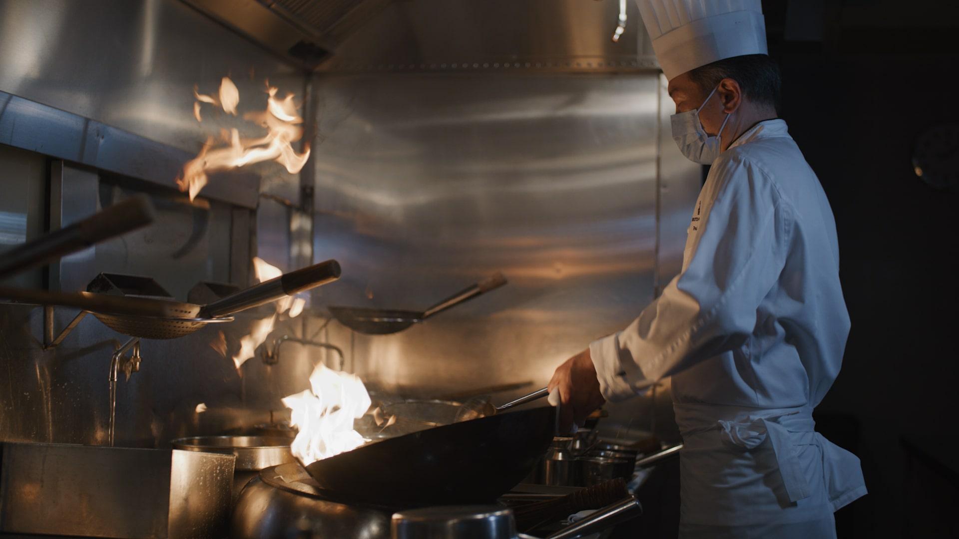 「珍珠洋蔥爆和牛」以爆炒手法用猛火烹煮。