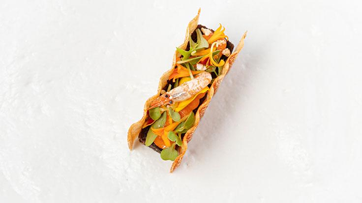 Bocadillo de rabo con mayonesa de pimienta fermentada. © Foodesign Company/Poemas by Hermanos Padrón