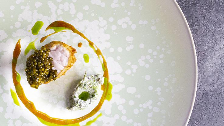 Ris de veau et caviar à la Mirande © Clement Puig
