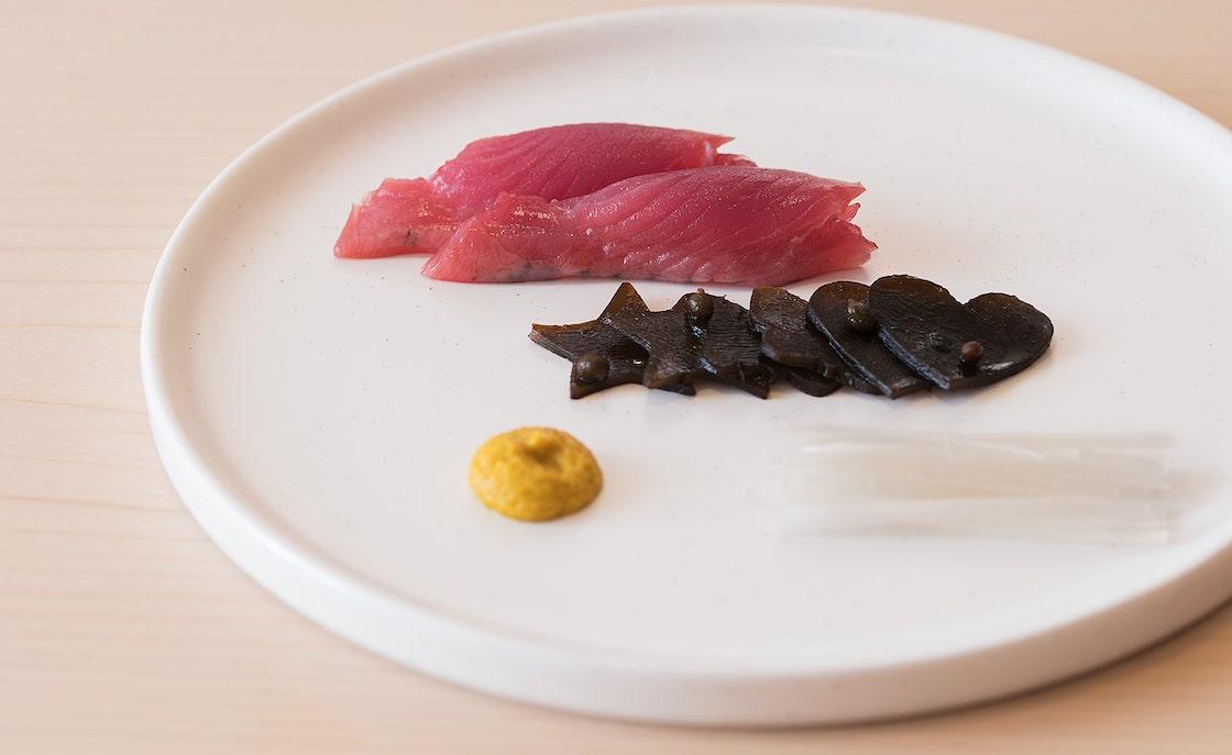 「壽司芳」的鰹魚刺身「昆布佃煮」(相片:壽司芳)