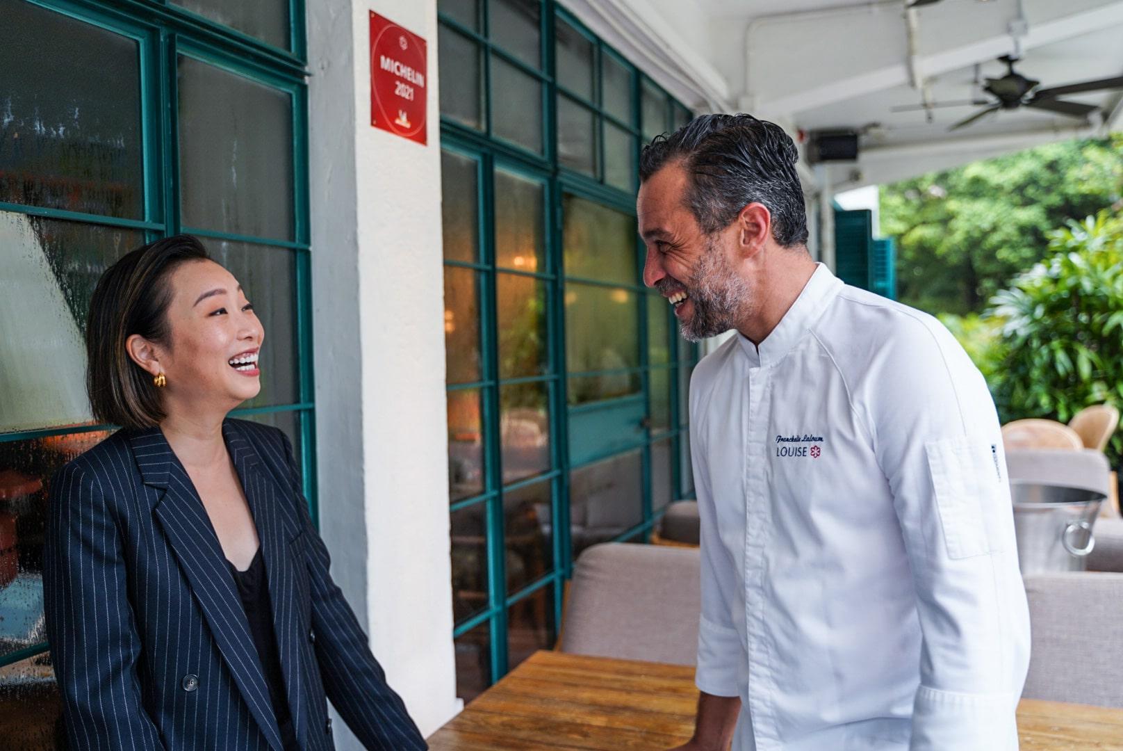 黃佩茵(Yenn Wong)和 Louise 行政總廚 Franckelie Laloum(相片:Pearl Yan)