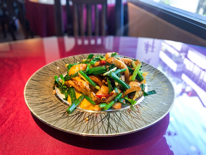 金賞軒提供台菜各式經點與私房料理。
