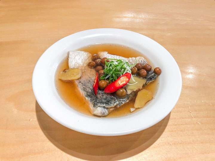 Küisine in the West District has a home-like cosiness. Apart from its Taiwanese fare, Southeast Asian and Japanese influences are also evident in curry and miso dishes.