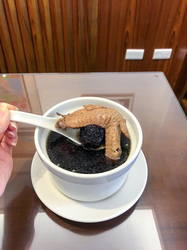 何首烏雞湯 湘帝御膳食堂 Shiang Dih Regimen Cuisine Food 台北必比登推介 Bib Gourmand 米其林 Michelin.jpeg