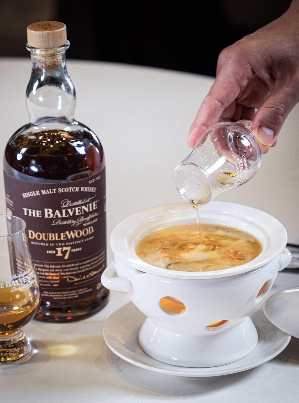 Shisen Hanten Dungeness Crab with The Balvenie whisky.jpg