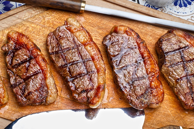 Brazilian picanha fresh off the grill. (© Shutterstock)
