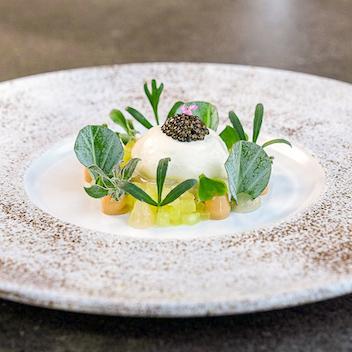 04 Sommer_Oyster. Seen here served alongside crisp Green Apple, Ponzu and Caviar..jpg