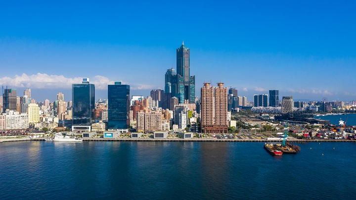 As an international port and industrial city, Kaohsiung sets the stage for the intermingling and evolution of diverse ethnic and culinary cultures.