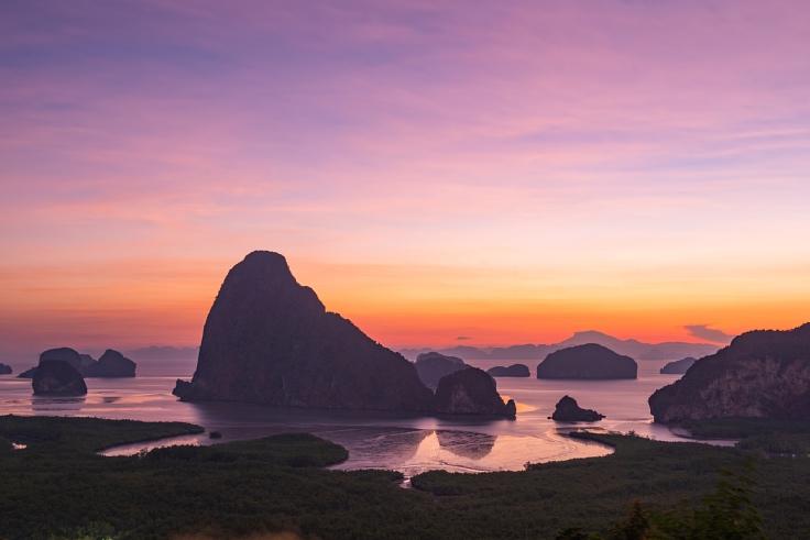 The sun rises over Samet Nang Chi for a stunning vista in Phang-Nga. (© Shutterstock)