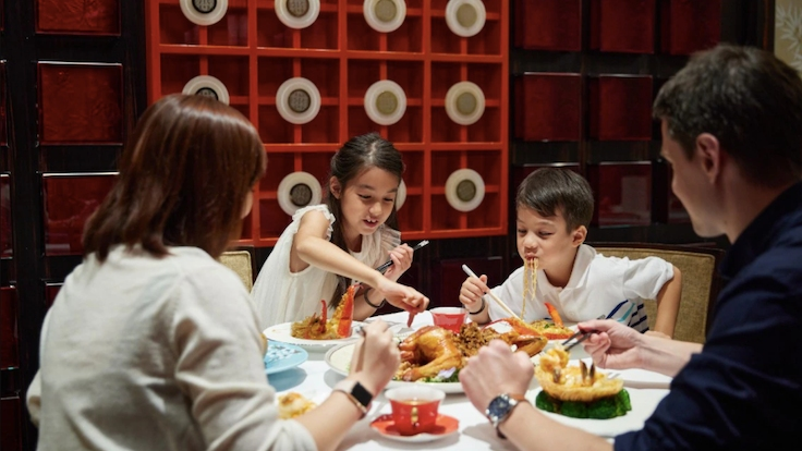 At Shangri-La Hotel Singapore, families get to enjoy a MICHELIN-starred restaurant experience, among other exciting activities. (Photo by Shangri-La Hotel Singapore)