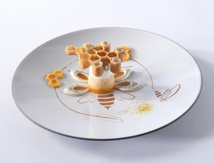 """Suspended honeycomb"" Massimo >Pica ©Sirha"
