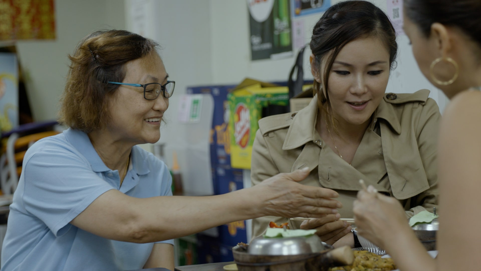 Chef Vicky likes to bring her visiting chef friends to Hing Kee Claypot Rice