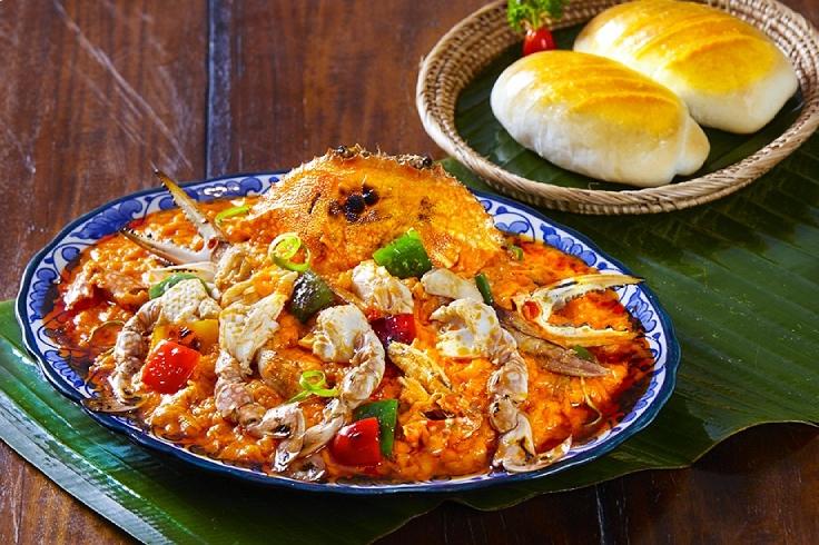 อาหารสไตล์ไทยจีนแบบร้านลูกไก่ทอง (© Lukkaithong)
